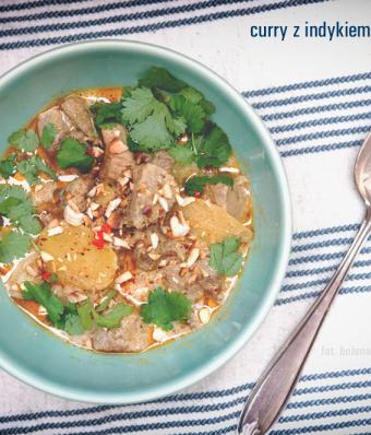 Curry z indykiem i nerkowcami