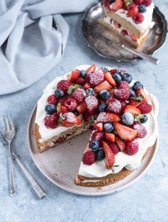 Tort bezglutenowy z owocami