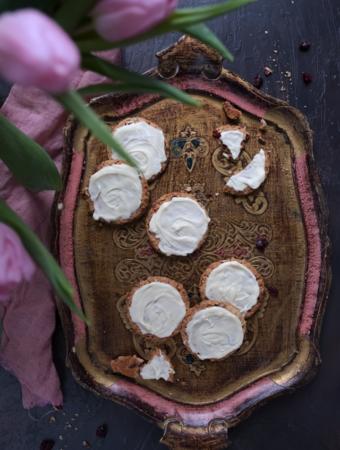 Ciasteczka owsiane z żurawiną i białą czekoladą