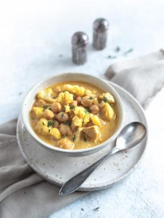 Curry z indykiem i kalafiorem