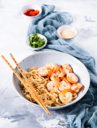 Makaron ryżowy z krewetkami [bezglutenowe] [low FODMAP]